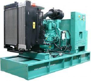 Дизельная электростанция в кожухе Cummins C200D5e Open 146 кВт